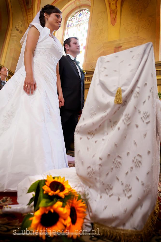 Ślubne sesje zdjęciowe. Reportaż ślubny. Fotograf ślubny Płock. Fotografia ślubna.